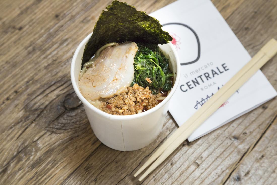 I pastafariani: cibo e ironia per sfuggire al disegno intelligente