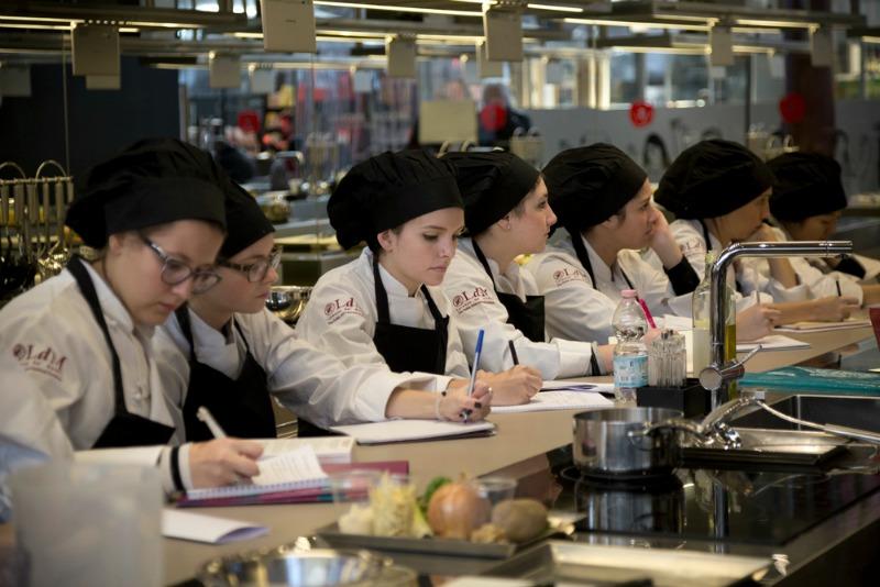 Donne e cucina: gioia e rivoluzione