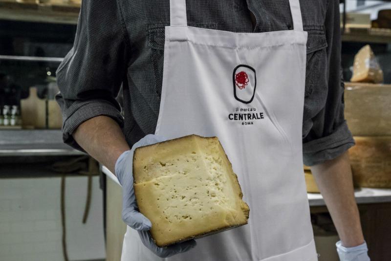 Beppe Giovale, l'arte di fare il formaggio si tramanda da generazioni | Foto di Federica Di Giovanni