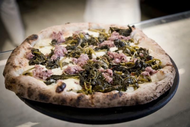 I Magnifici: Pizza salsiccia e friarielli di Sud