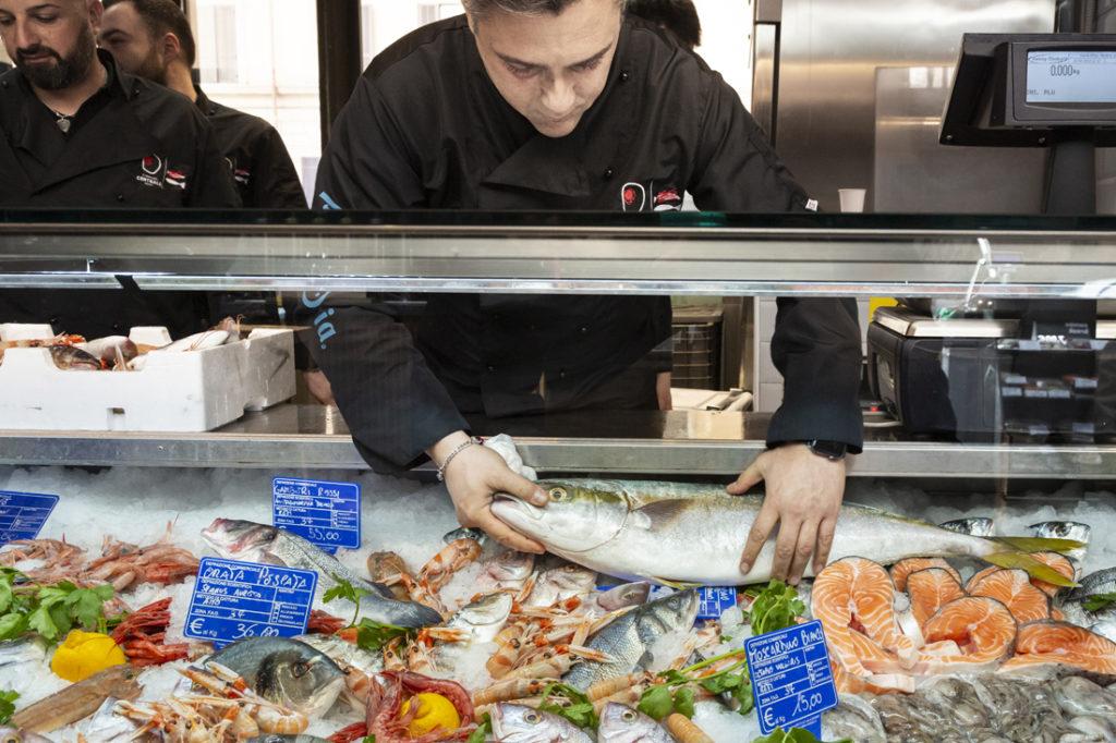 Mercato Centrale Roma | Il pesce fresco di Fabrizio Giannini e Stefano Di Somma